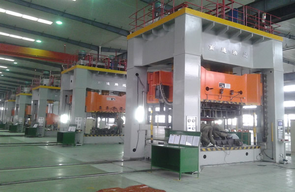 Large frame hydraulic press production line