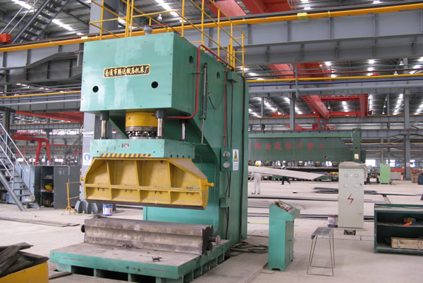 315 tons of C-frame Hydraulic  press production line