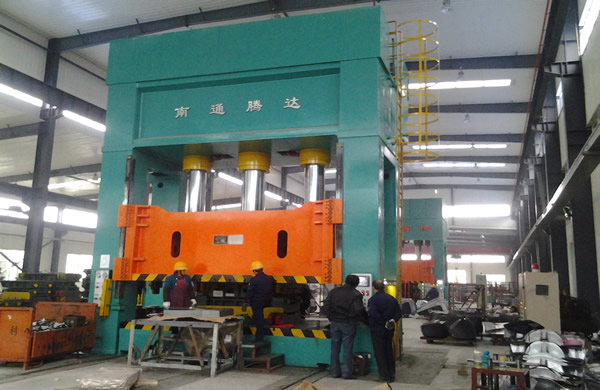 2000 tons of production line hydraulic machine frame forward